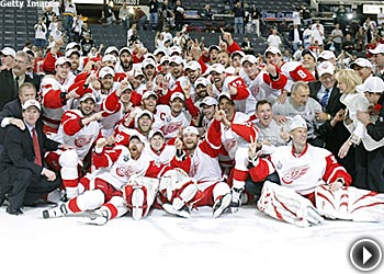 The Detroit News Wings_Cup_play