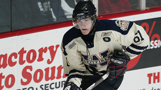 http://cdn.nhl.com/images/upload/2009/07/AustinWatson_Windsor_325.jpg
