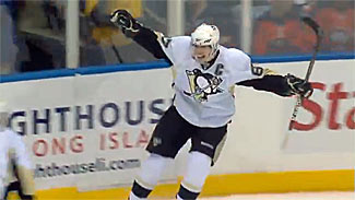 Sidney Crosby celebrates a goal