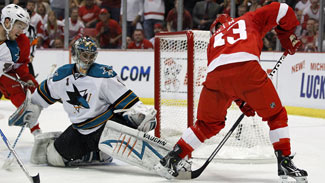 Nabokov Hung Out To Dry In First Period - Sharks Vs Red Wings