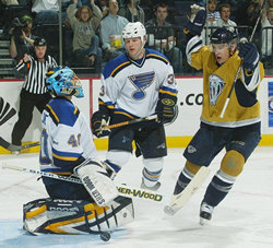 Scott Upshall celebrates in front of Patrick Lalime