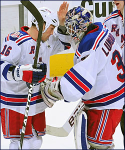 Sean Avery and Henrik Lundqvist